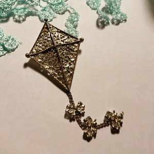 Cute VTG Kite Brooch